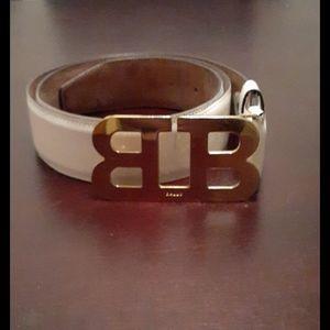 Bally mirror b patent leather belt white